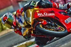 Alberto Nebot, aceite de moto