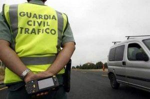 Denunciados 495 conductores por neumáticos en mal estado